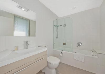 En Suite Bathroom with Spa Bath